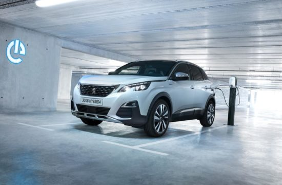 PEUGEOT 3008PHEV HY4 1809PB 002 550x360 at What are the Best Family Cars?