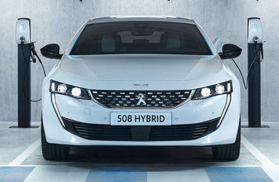 PEUGEOT 508PHEV 1809PB 002 550x360 at Peugeot Unveils New Plug In Hybrid Range