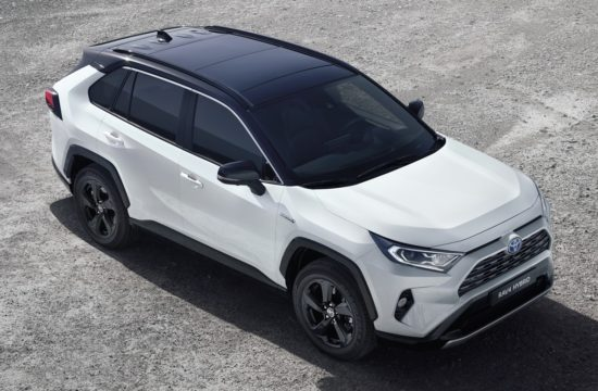 rav4 hybrid 2019 550x360 at 2019 Toyota RAV4 Hybrid   An SUV with 4.5 l/100 km Consumption