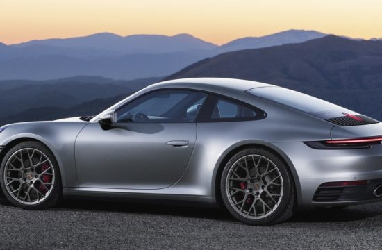 new porsche 911 6 550x360 at The New Porsche 911   Too Techie for Its Own Good?