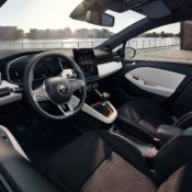 new clio interior 2 175x175 at Are Digital Instruments Coming to Affordable Cars? New Renault Clio Says Yes