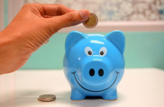 savings blue pig 550x360 at Saving for your next car? These tips will help