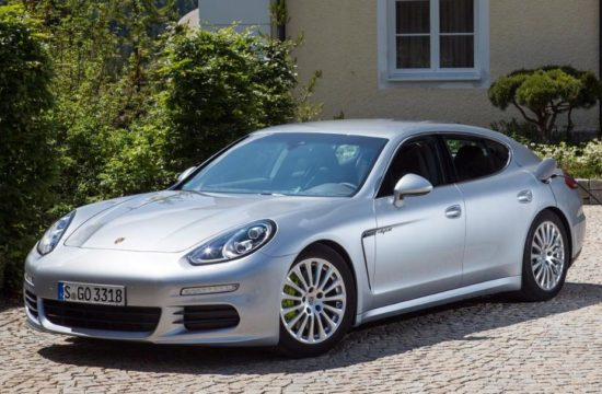 panamera 1 550x360 at Porsche Panamera   10 Years On