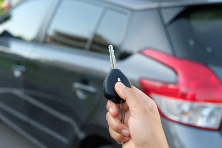 car renting 730x487 at Advantages of Renting a Car