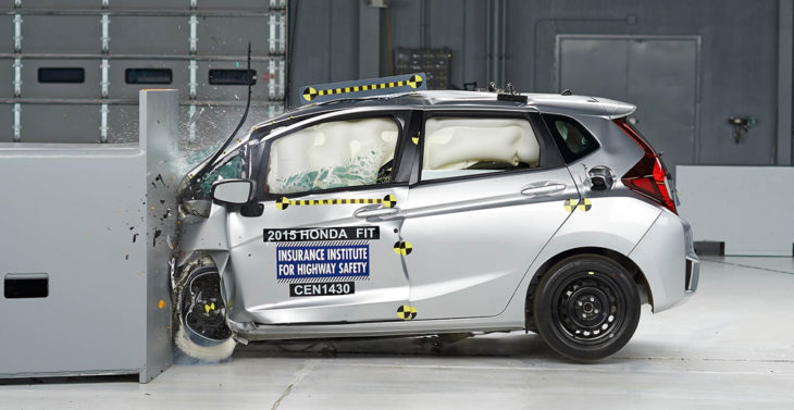 crash test 730x377 at How to Choose a Safe Car That Still Performs Well