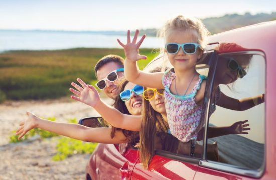 kids in cars 550x360 at Kids In Car Accidents: How to Keep Kids Safe In the Car