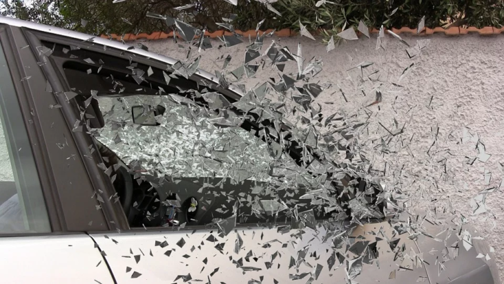 car glass break 730x411 at Steps to Take if You're in a Serious Car Accident