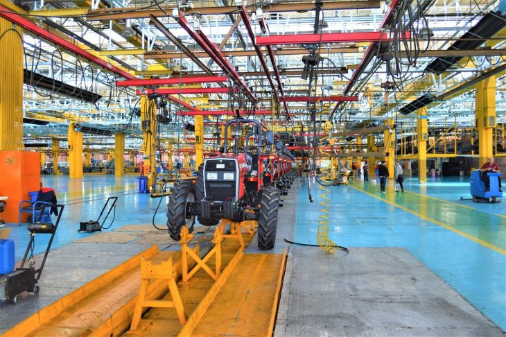 automotive factory 1 730x486 at Top Robotic Applications in the Automobile Manufacturing Industry