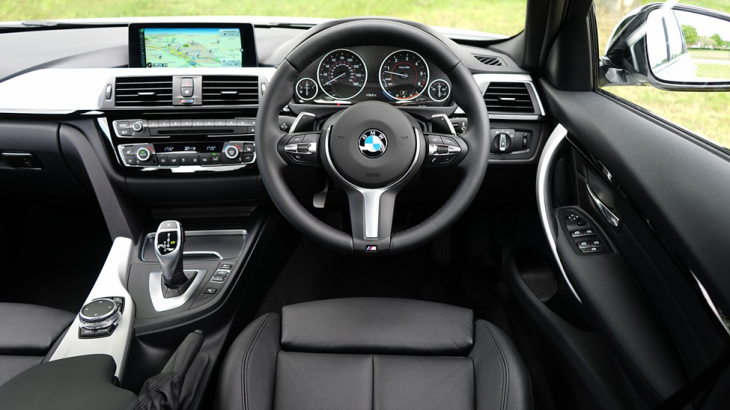 bmw interior 730x410 at 6 ways technology is reshaping the automotive industry