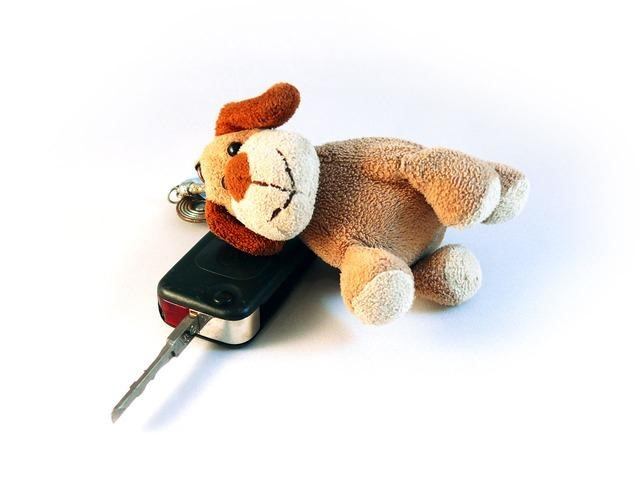 Large Keychain at Tips to Avoid Losing Your Car Keys