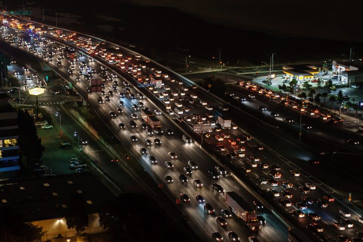highway traffic 730x487 at 3 Tips for Transporting your Newly Bought Car from the Internet
