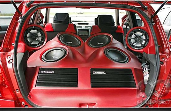 Speakers 550x360 at Tips to Pick the Right Speakers for Your Car Stereo System