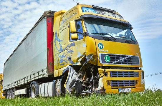 truck after collision 550x360 at Trucking Accidents Are a Serious Issue