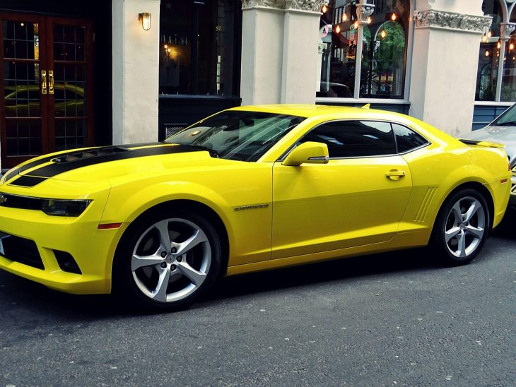 camaro 730x548 at Which is a better sports car – Mustang or Camaro?