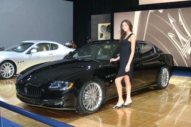 maserati quattroporte sport gts at 2009 naias 3 at Maserati Quattroporte GTS & Jaguar XFR   Live From Detroit