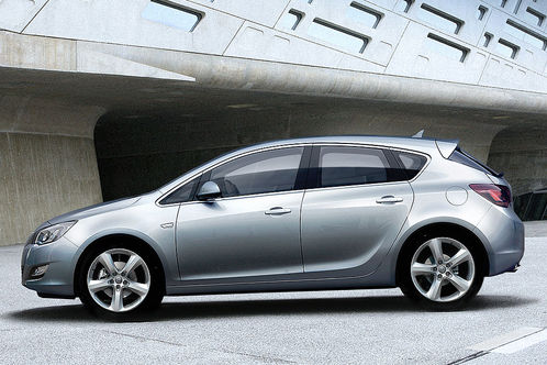 First pictures of new 2010 Opel Astra
